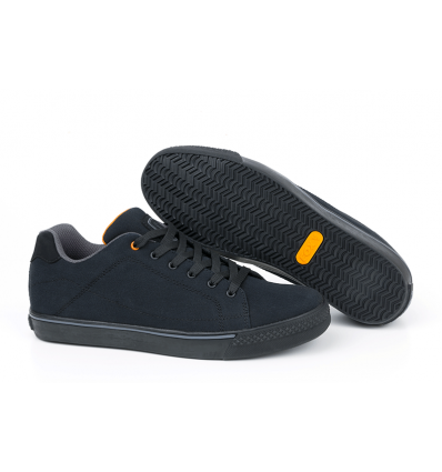 Fox Black / Orange Trainer maat 46